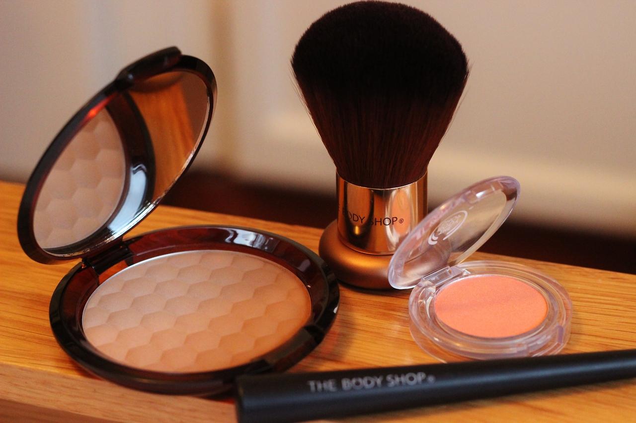 Body Shop Honey Bronzer