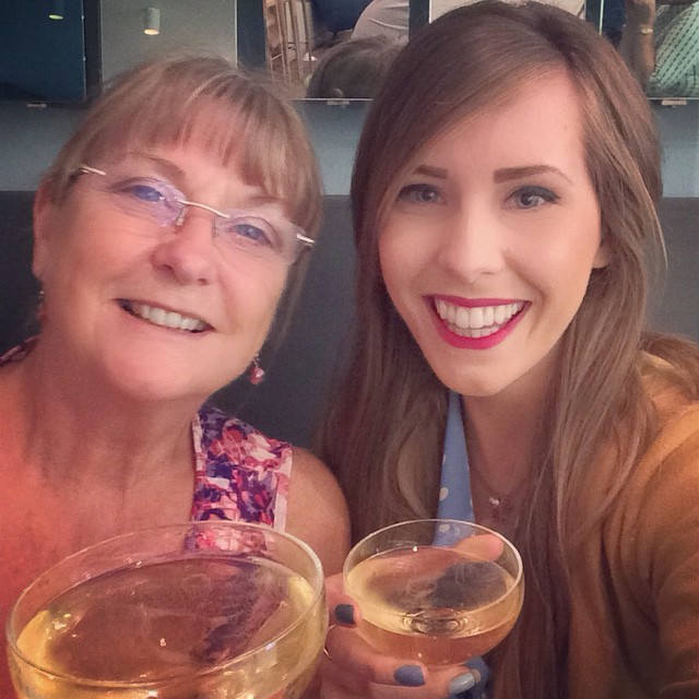 Treating this wonderful lady to a glass of Moët  before the show - cheers London! ???? #lbloggers #mummydaughtertime #london #wicked #champers