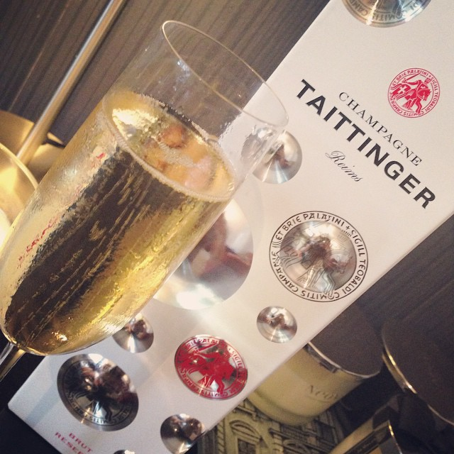Surprise from @joekenmil to celebrate our first week living together...if this happens every week I've got the best deal ever! ? #lbloggers #champagne #taittinger #celebrate #movingin #couple