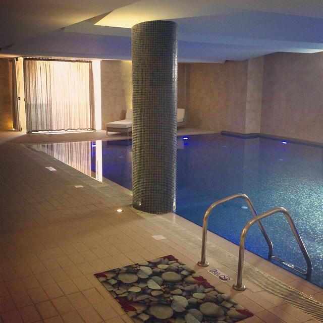 Our hotel has the most beautiful indoor spa with saunas, jacuzzis, relaxation beds and a still pool that's as warm as a bath ? #lbloggers #travelbloggers #spaday #holiday #greece #relax