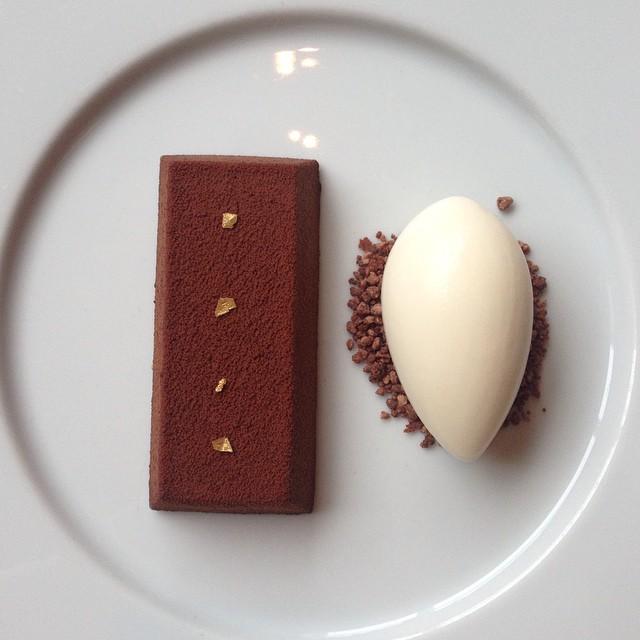 Chocolate Bar ?? #lbloggers #dinnerbyheston #hestonblumenthal #dinner #lunch #chocolatebar #gingericecream #dessert