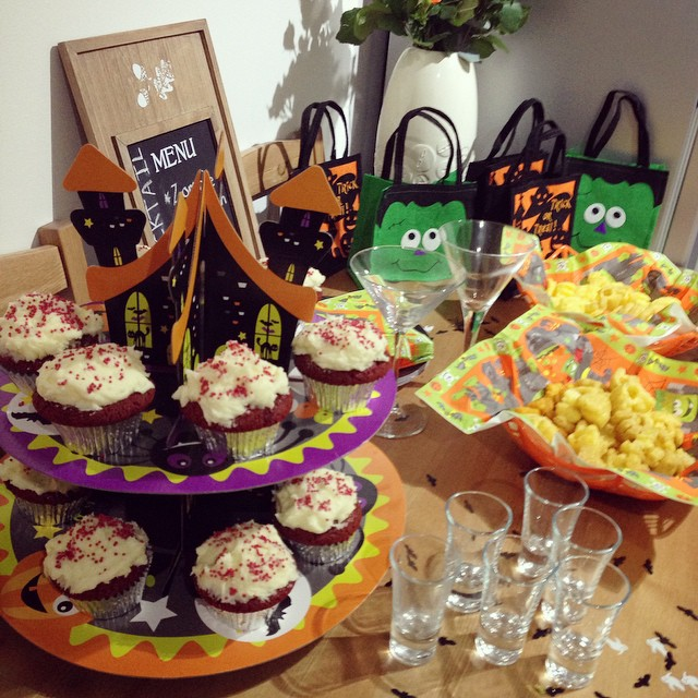 Halloween Housewarming Party! ???? #housewarming #party #halloween #diy #goodiebags #redvelvet