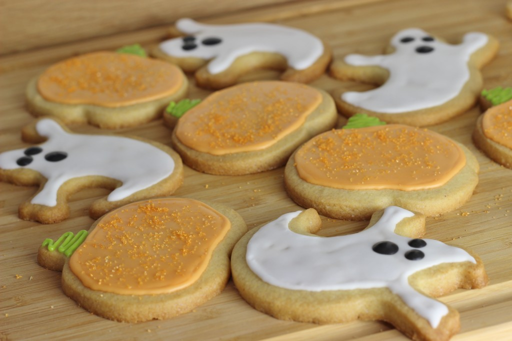 Halloween Ginger Sugar Cookie Recipe, pumpkin sugar cookies, ghost sugar cookies, halloween sugar cookies