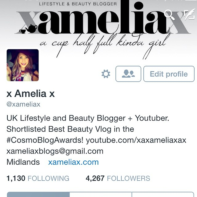 Did you know I'm on Twitter? Come say hi @xameliax ? #lbloggers #bbloggers #fdbloggers #twitter #follow