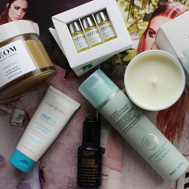 On The Blog Today | xameliax.com | Everyone loves a good pamper, here are my winter pamper essentials! ? #lbloggers #bbloggers #pampernight #diy #neom #lizearle #keihls #clarisonic #beautyblog