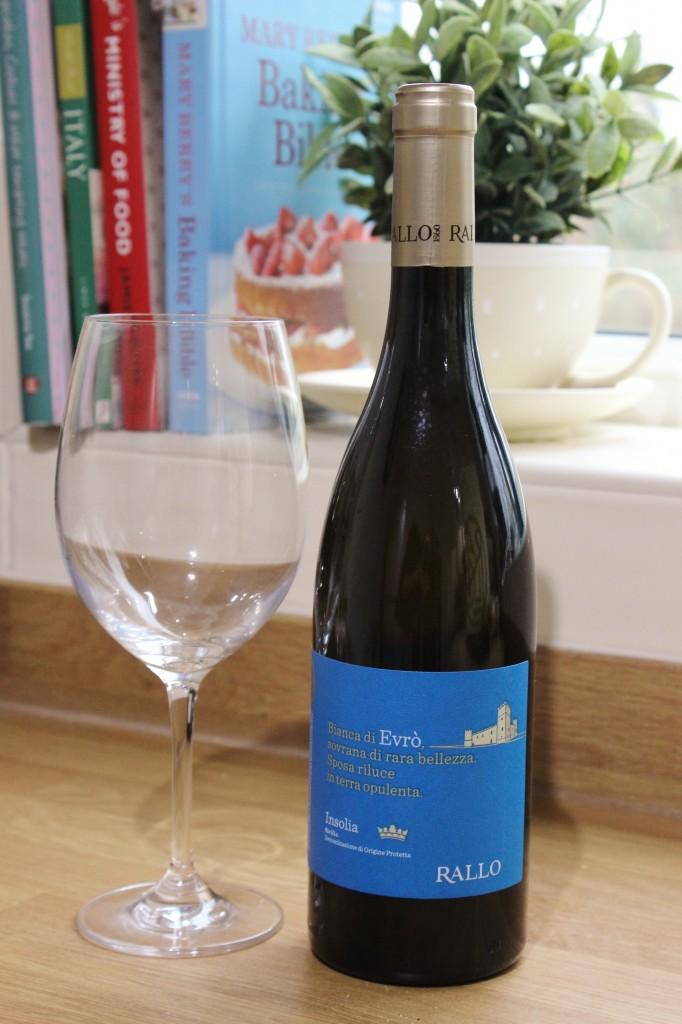 Rallo Evro White Wine