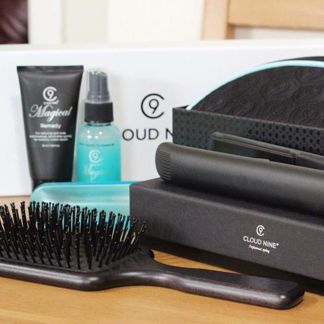 On The Blog Today | xameliax.com | The straighteners that should be on everyone's Christmas list...move over GHDs ?☁️ #lbloggers #bbloggers #haircare #cloudnines #blogreview