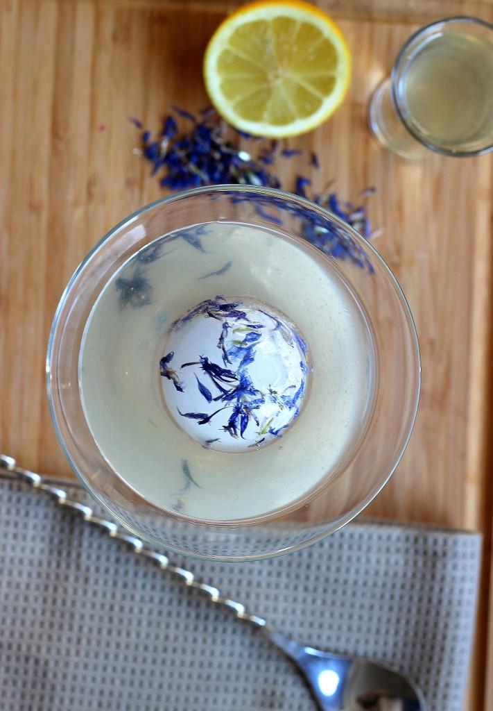 White Cosmopolitan Recipe, no cranberry cosmopolitan, white cranberry juice substitute