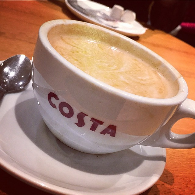 Coffee and catching up after some shopping and beauty-fying with @pc2323 ☕️?? #lbloggers #costacoffee #girlyday