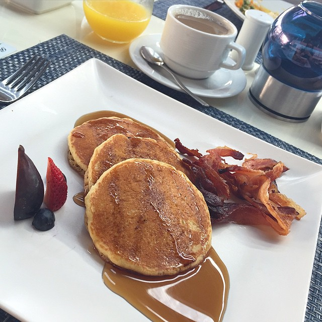 Naughty brekkie today - well, it is Friday after all! ?☕️? #lbloggers #holiday #mexico #TGIF #maplepancakes #bacon