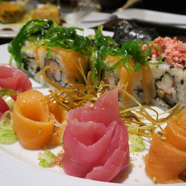 Eat ALL the sushi ??? #lbloggers #holiday #sushi #mexico