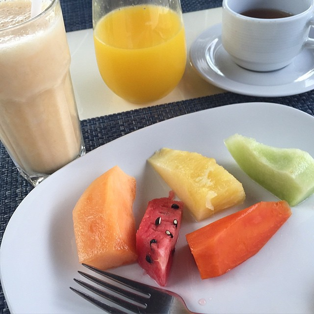 Up bright and early for our last day in Mexico - really going to miss fresh fruit and soy smoothies made for me every morning! ???? #lbloggers #holiday #mexico #royaltonrivieracancun