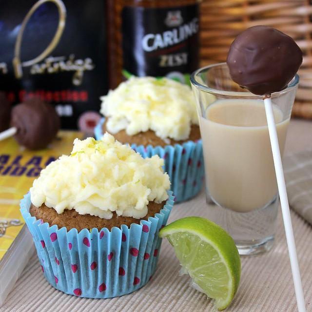 Calling all Alan Partridge fans...The Ladyboy Cupcake is here! ???? xameliax.com #lbloggers #alanpartridge #ooooladyboys #beerbattercupcake #ginandtonicfrosting #baileyscakepopchaser