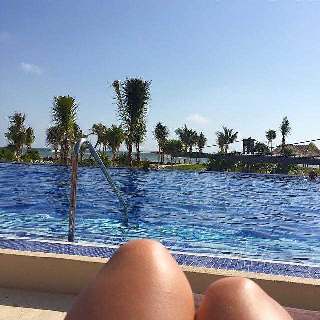 Lazy Sunday ?☀️ #lbloggers #holiday #mexico #infinitypool