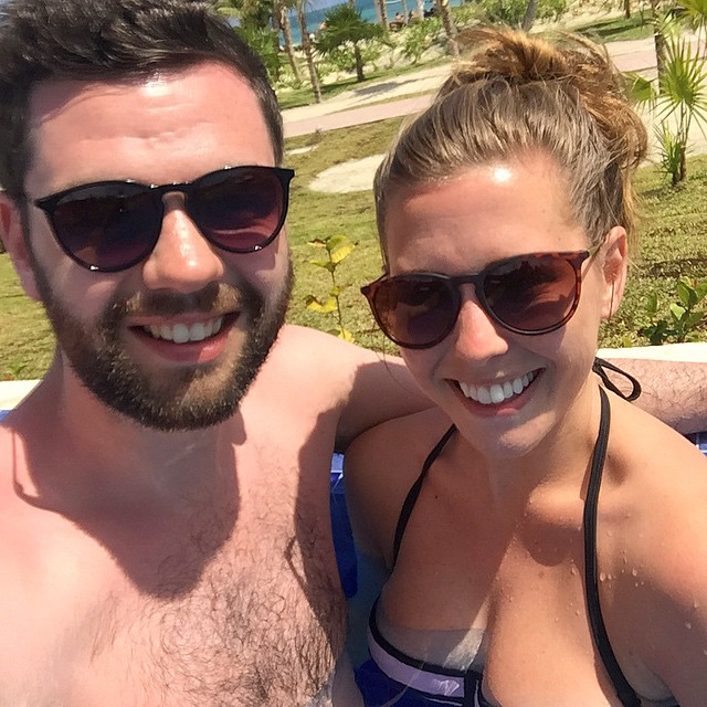 Infinity pools are my favourite - as is this hairy monster ???☀️? #lbloggers #holiday #mexico #meandhim #poolselfie #dontdroptheiphone