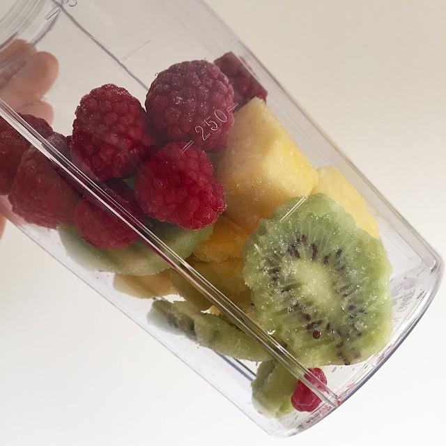 Back on the morning smoothie wagon- Frozen Raspberries, Kiwi and Mango topped with a splash of OJ and unsweetened Almond Milk ??? #lbloggers #smoothie #breakfast #fitfam #kaylasarmy #thekaylamovement
