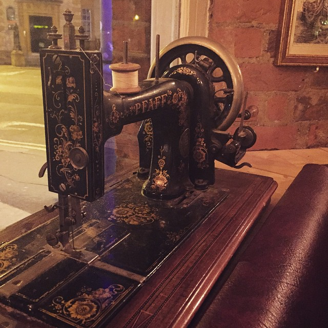 All the best bars have vintage sewing machines in their windows ??? #lbloggers #dressmaking #interiordesign