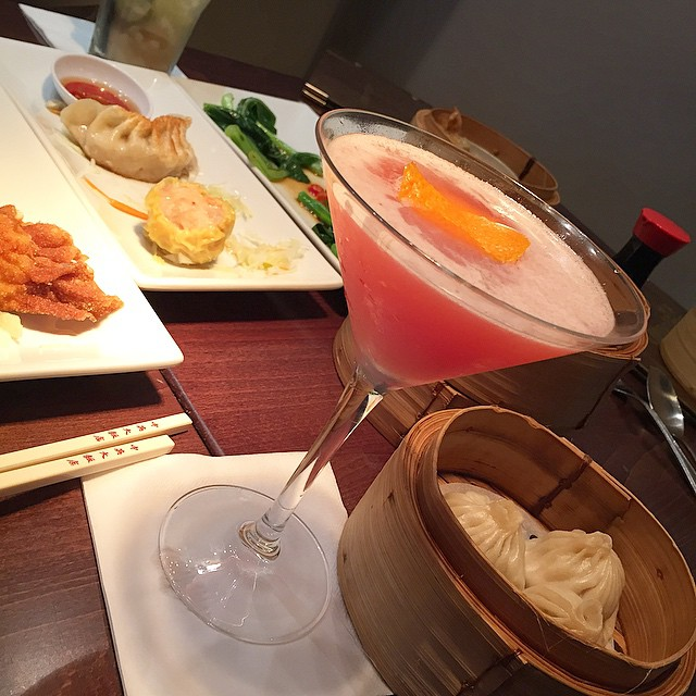 Dim Sum and Cocktails ?? #lbloggers #chungying #dimsum #passionfruitcosmo #lunchdate