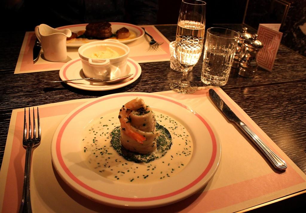 Bob Bob Ricard Review, Press for champagne button restaurant (13)