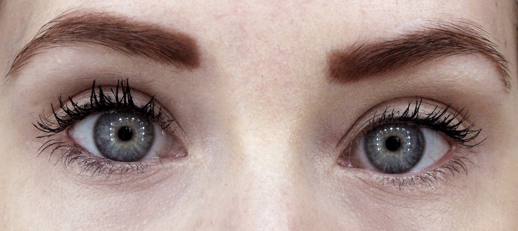 Magnetic Lash Fibre Mascara Before and After (1)