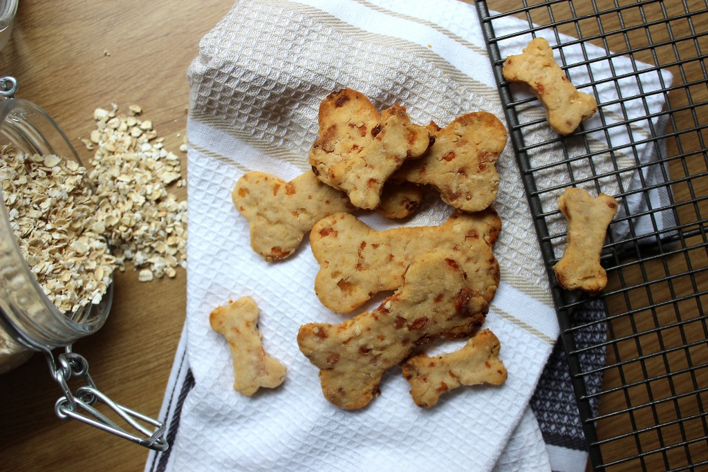 easy Apple and Cheddar Dog Biscuits recipe