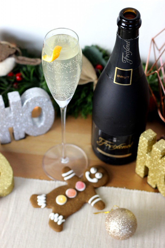 Gingerbread Fizz Christmas Champagne Cocktail (2)