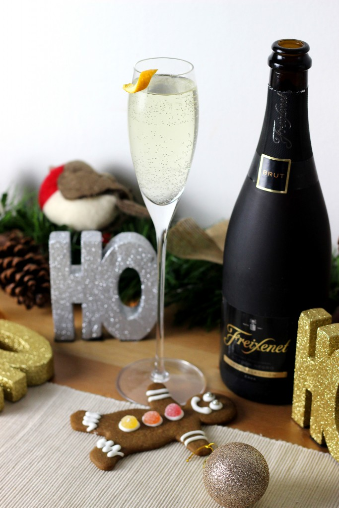 Gingerbread Fizz Christmas Champagne Cocktail (4)