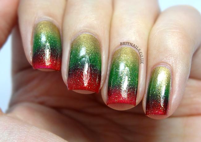 christmas-gradient-nail-art