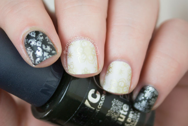 christmas-wrapping-paper-nail-art-04