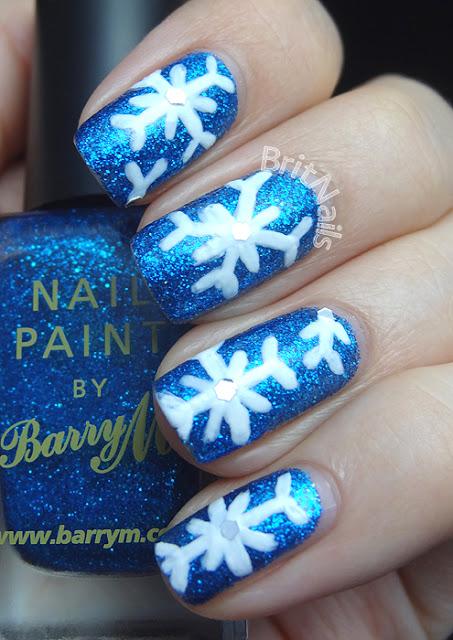 snowflake-nails-1