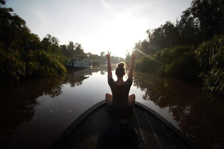 Tanjung Puting - Cruising down the Black River