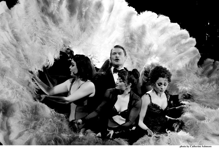 chicago-john-partridge-as-billy-flynn-photo-by-catherine-ashmore