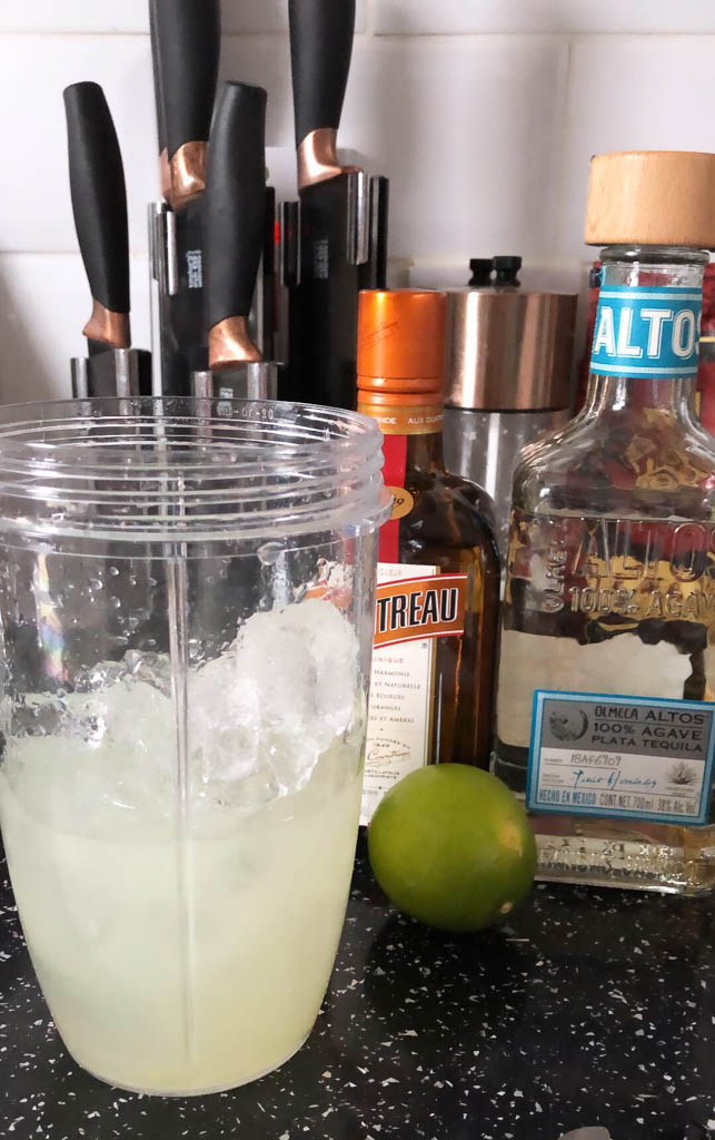 Easy Frozen Margarita Recipe UK in a Nutribullet, Can you make cocktails in a nutribullet?