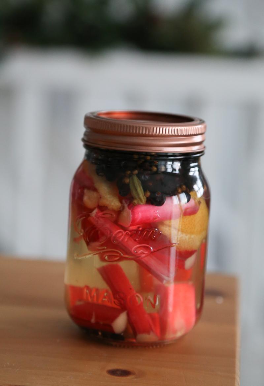 how to make gin, rhubarb and custard gin