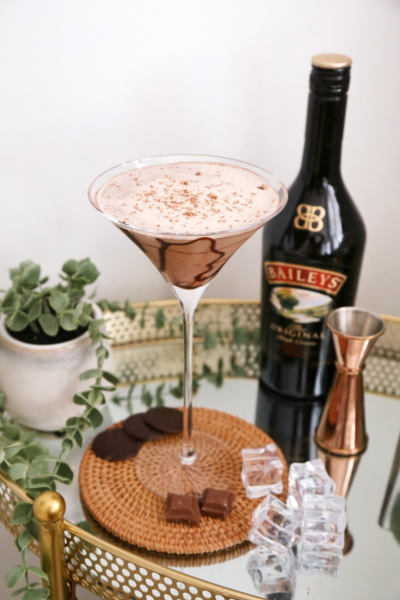 Chocolate Baileys Martini, drinks with baileys